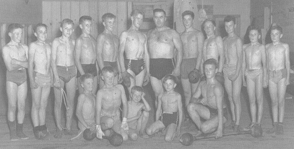 1946_box_wrestle_club_001_copy.jpg